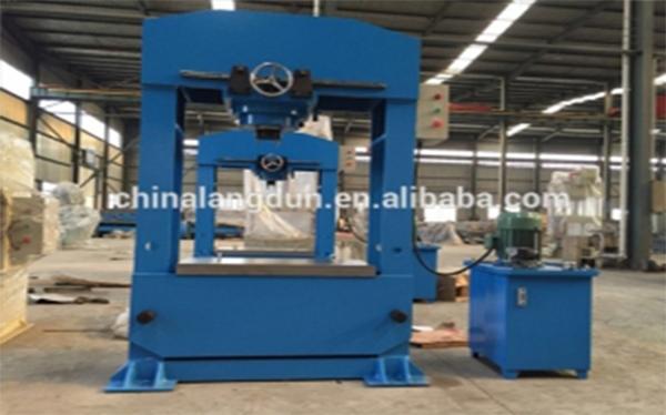 Y28-500吨框架式液压机