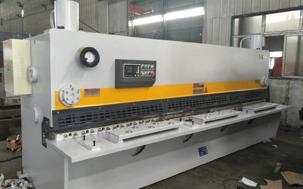 上海QC11K-8x4000数控液压闸式剪板机
